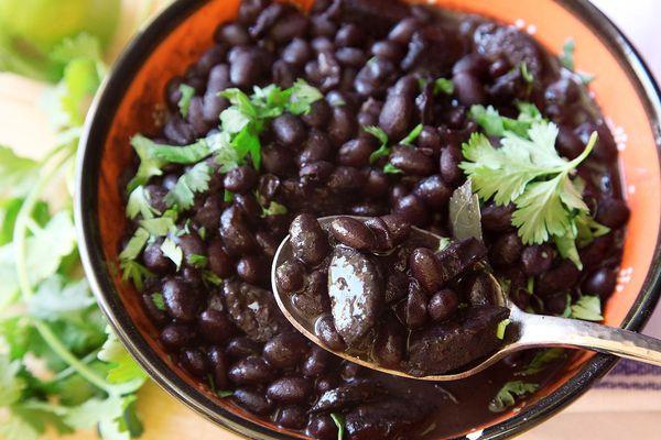 20150921-black-bean-sausage-stew-pressure-cooker-3.jpg