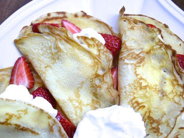 20130406-246470-sunday-brunch-crepes-strawberries-cream.jpg