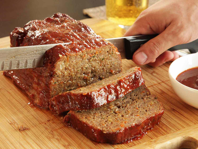 Slicing up the meatloaf