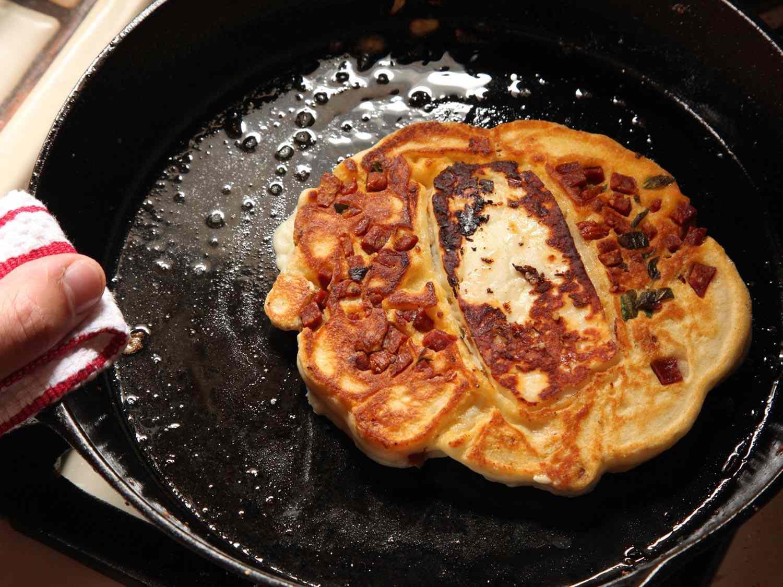 20150519-halloumi-chorizo-pancake-05.jpg