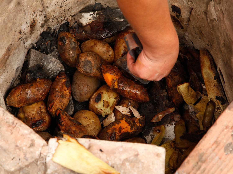 20140804-pachamanca-peru-potatoes-katie-quinn.jpg