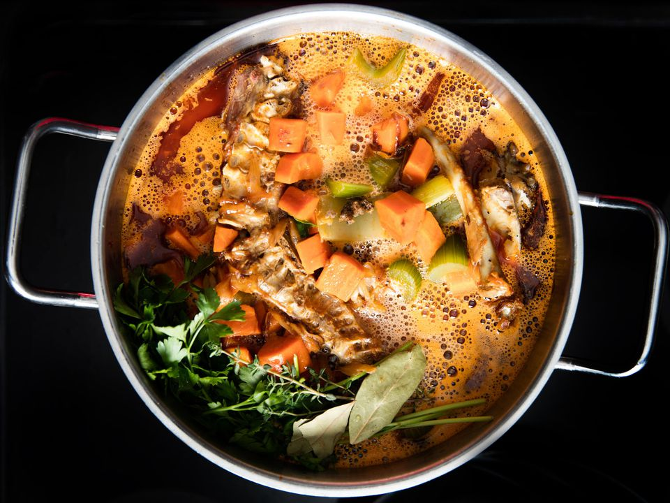20161026-roasted-turkey-stock-vicky-wasik-7.jpg