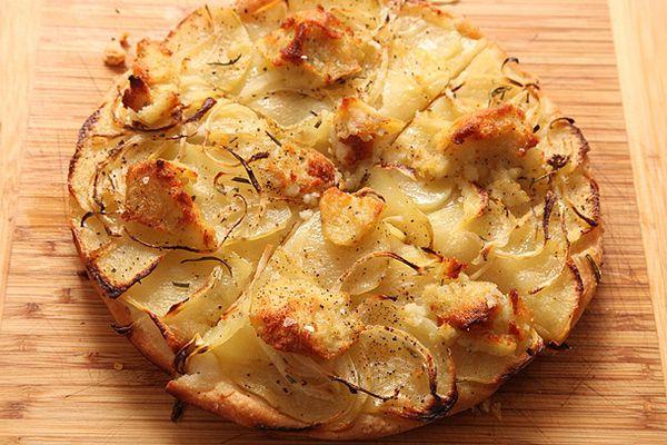 20120206-vegan-pizza-potatoes-zucchini-06.jpg