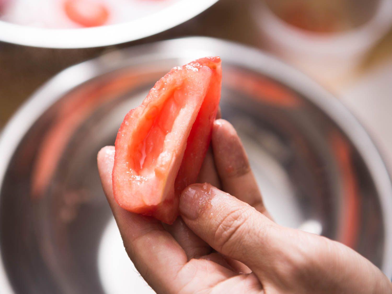 20150812-tomato-coulis-peeling-vicky-wasik-2.jpg