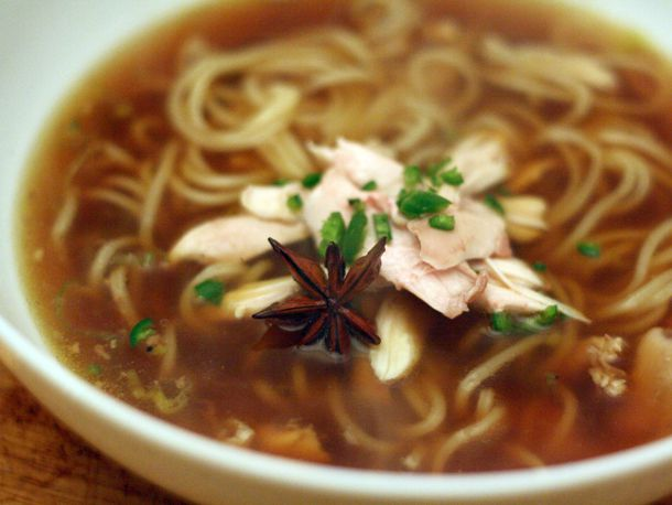 20101222-127355-dinner-tonight-sichuan-style-chicken-noodle-soup.jpg