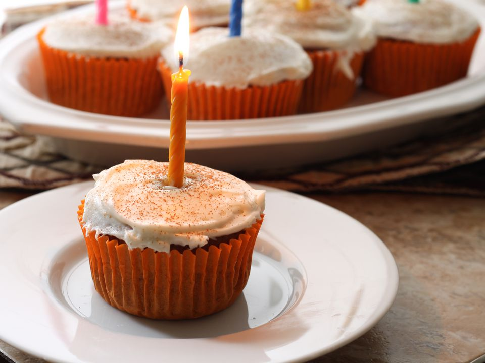 20141016-gluten-free-pumpkin-spice-cupcakes-elizabeth-barbone.jpg