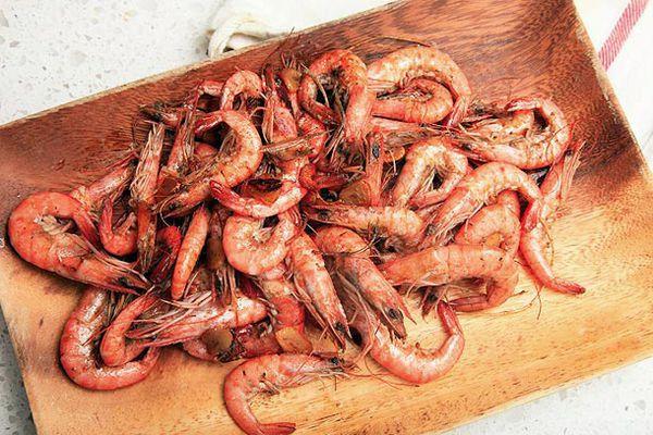 20120506-camarao-ao-alho-shrimp-with-garlic-primary.jpg