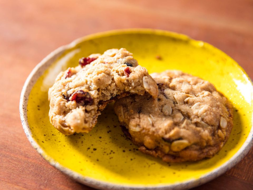 20170911-oatmeal-cranberry-cookies-vicky-wasik-4.jpg