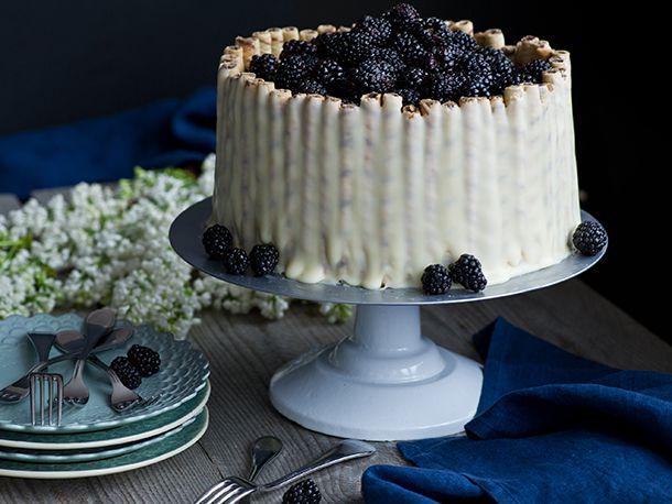 20120327-127677-LTE-Blacberry-WhiteChocolate-PRIMARY.jpg