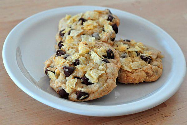 20130411-247932-potato-chip-cookies.jpg