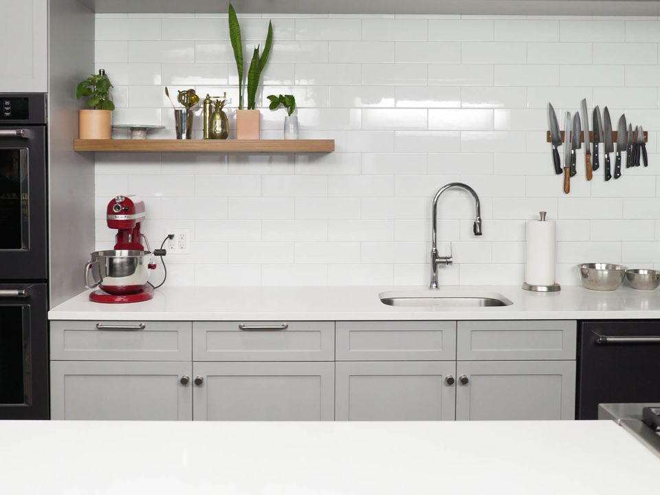 20200312-empty-studio-kitchen