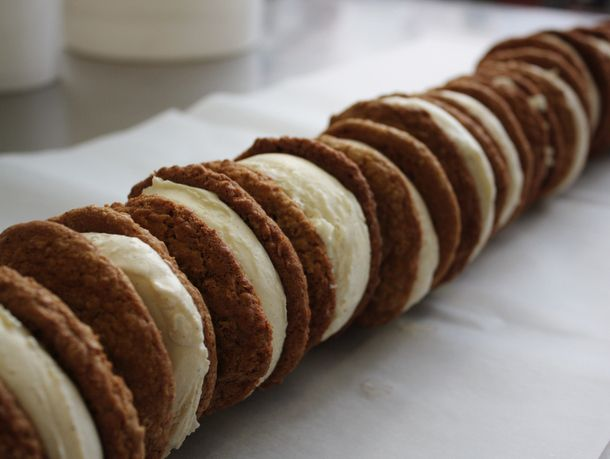 20120724-jeni-splendid-ice-creamoatmeal-cream-lineup.jpg