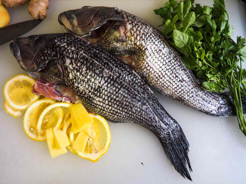 20140702-whole-roasted-fish-daniel-gritzer.jpg