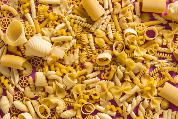 20200312-starch-madness-pasta-flatlay-featured-image