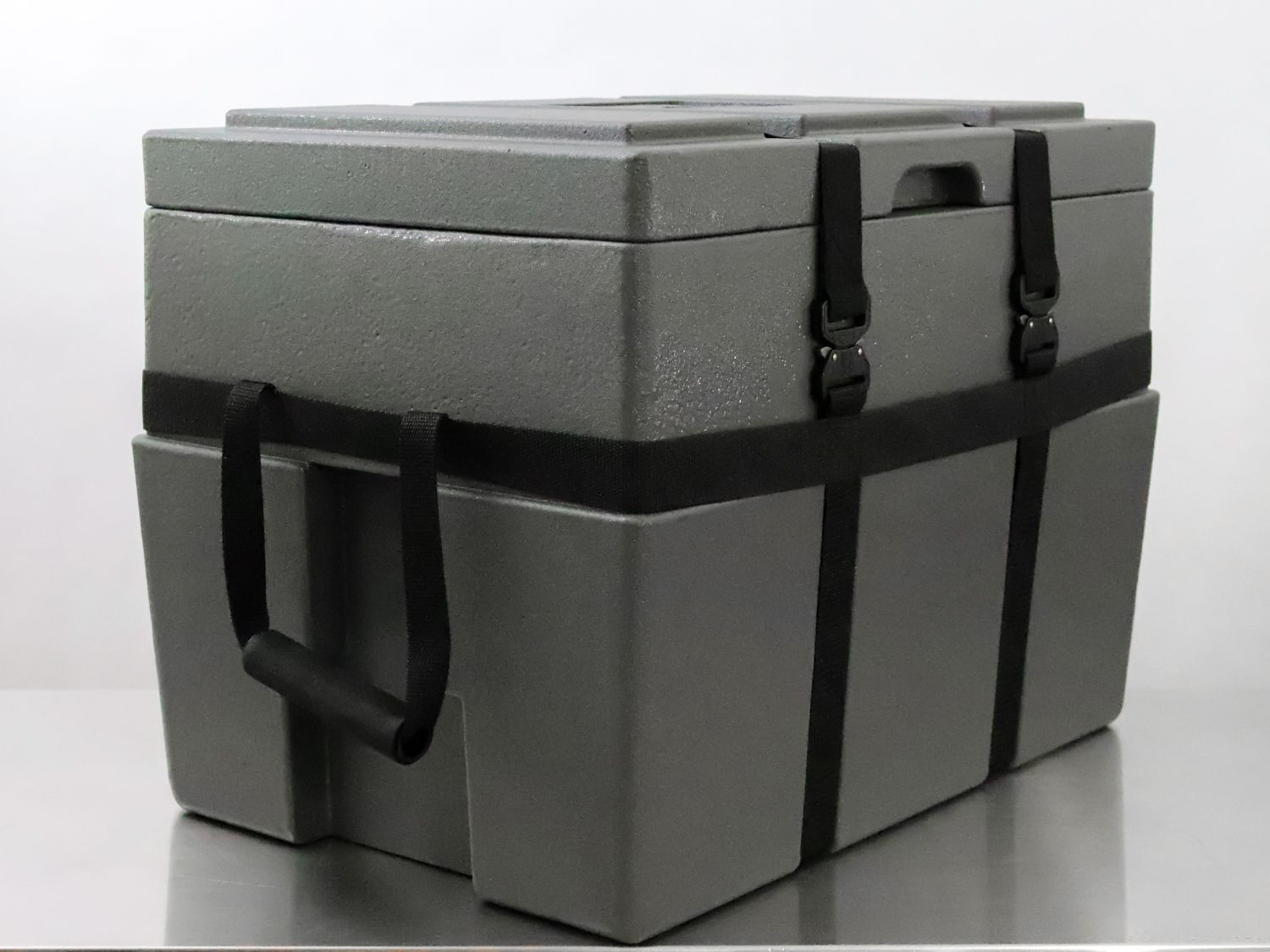 Side angle of the Rugged Road Onitis 45 Cooler