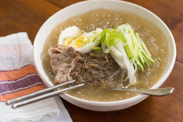 20140908-cold-korean-noodle-soup-daniel-gritzer-9.jpg