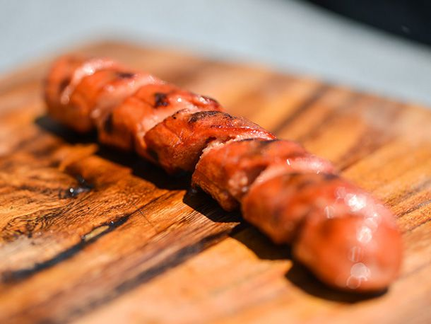 20140508-292404-how-to-grill-hot-dogs-spiral.jpg