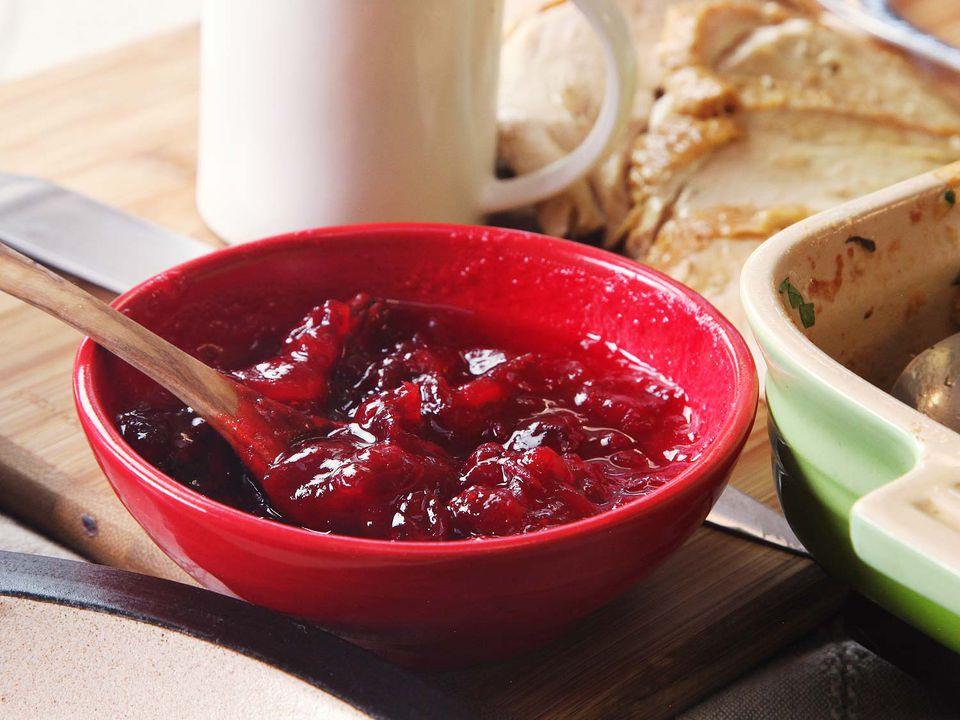 20161110-cranberry-sauce-easy-video3.jpg