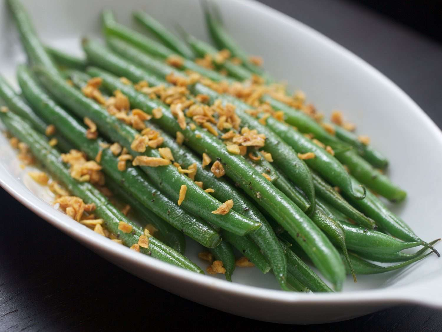 Green beans in serving dish.