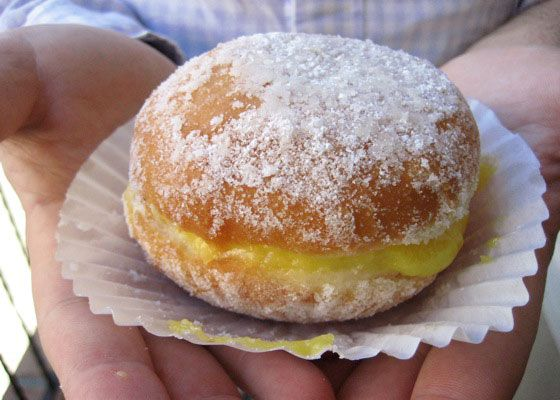 Best Doughnut Sandwich: Natas Pastries