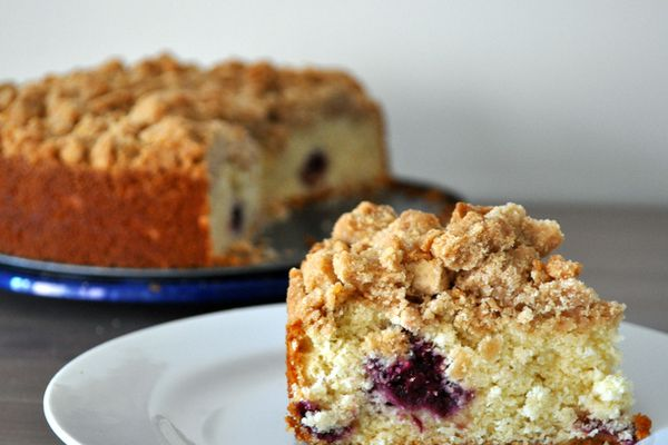 20130602-wakeandbake-blackberry-crumb-cake.JPG
