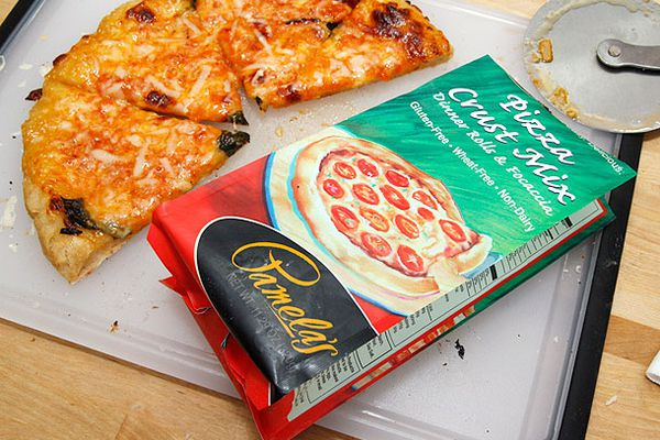 20130604-gluten-free-pizza-camelas-taste-test4.jpg