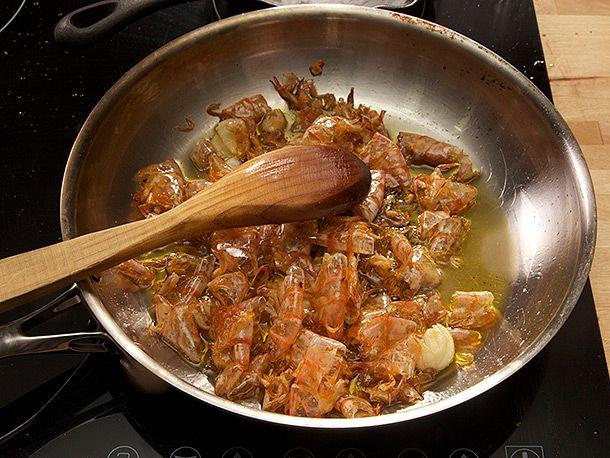 20140307-spanish-garlic-shrimp-gambas-al-ajillo-recipe-06.jpg