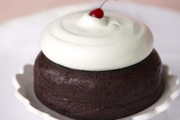 20110623-158172-old-fashioned-cake.jpg