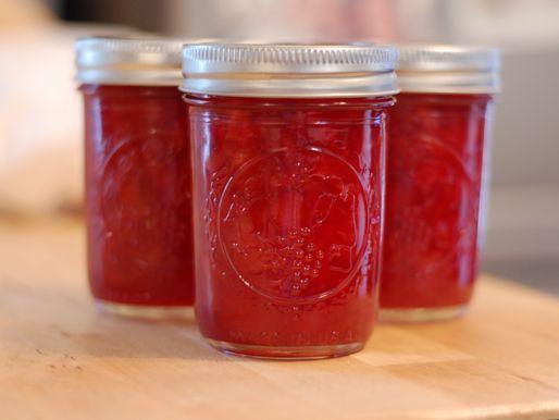 20120701-212455-preserved-sour-cherry-jam-3.jpg