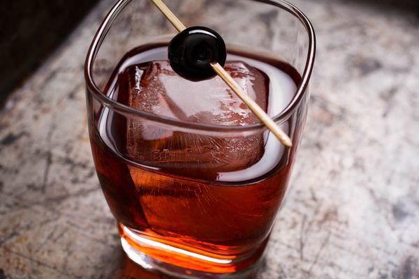 20150323-cocktails-vicky-wasik-boulevardier.jpg