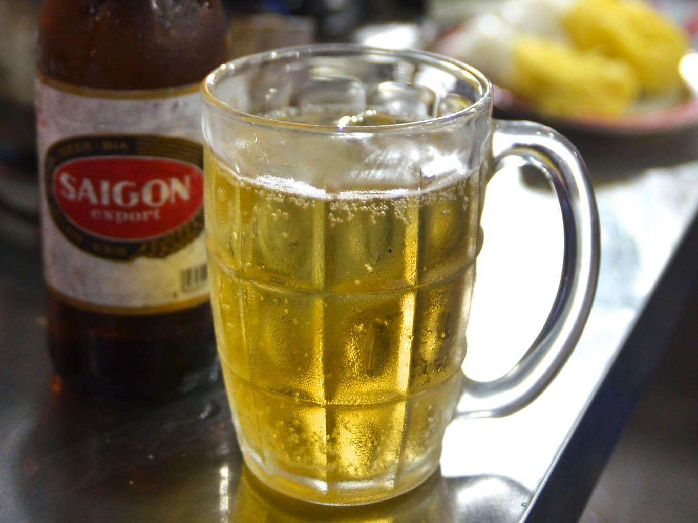 20140805-vietnam-drinks-beer-barbara-adam.jpg