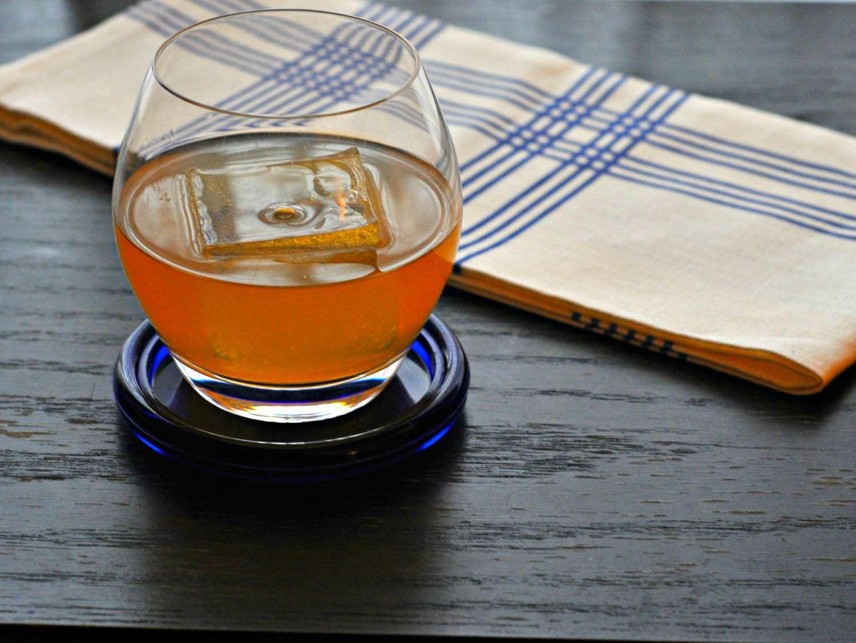 20150223-honey-cocktails-penicillin-michael-dietsch-5.jpg