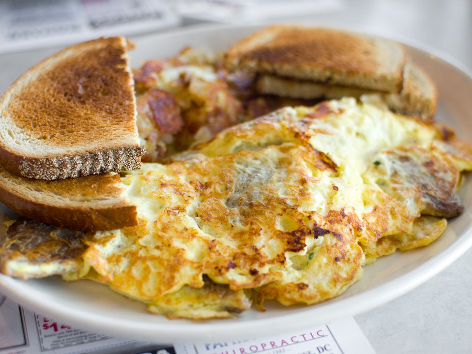 201400918-pioneer-gyro-omelet-cropped-max-falkowitz.jpg