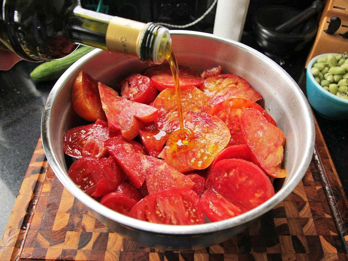20130827-easy-gazpacho-how-to-recipe-06.jpg