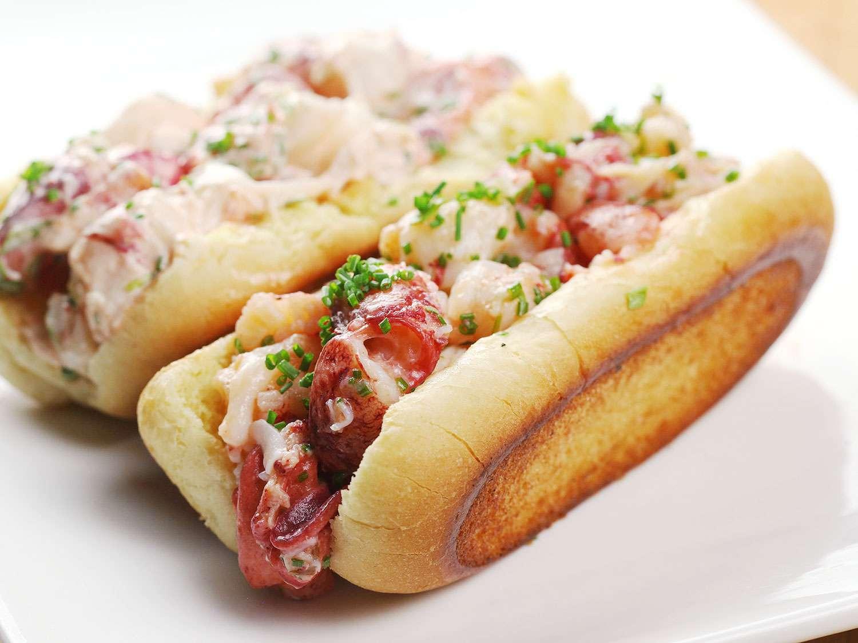 20161208-sous-vide-lobster-58-connecticut-lobster-roll.jpg