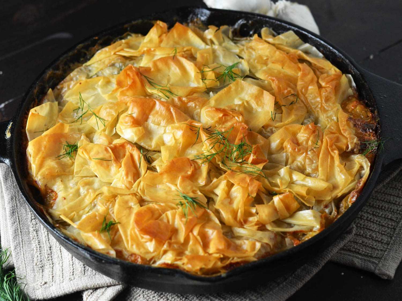 20151112-creamy-garlic-chicken-spanakopita-skillet-finished-morgan-eisenberg.jpg