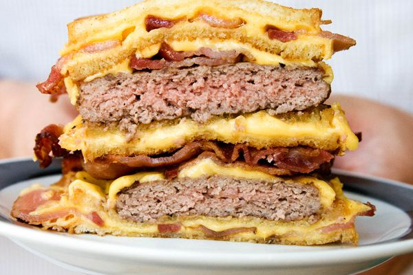 2008-10-09-double-bacon-fatty-melt-hamburger-robyn-lee.jpg