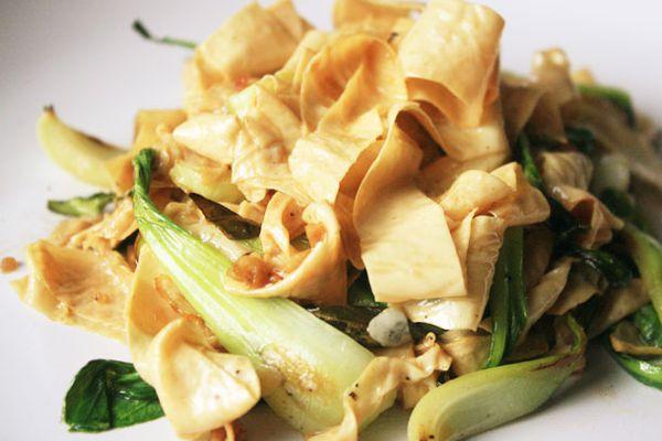 20121103-chichis-chinese-tofu-skin-ribbons.jpg