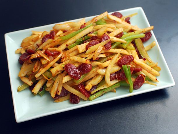 20131108-spicy-stir-fried-fennel-celery-and-celery-root-with-chinese-sausage-02.jpg