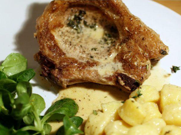 20120301-norman-apple-pork-chops-primary.jpg