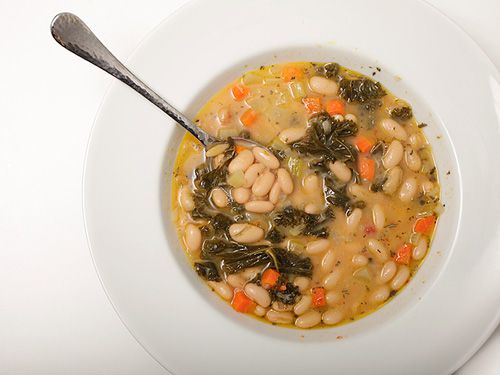 20111218-easy-bean-soup-white-bean.jpg