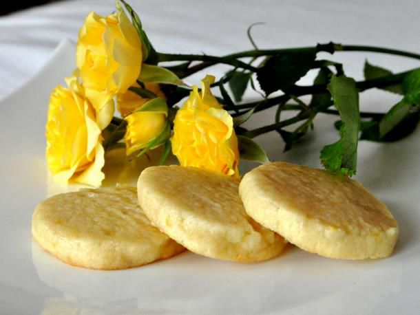 20120220-cookiemonster-lemonshinecookies.JPG