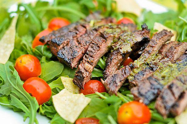 20110610-156015-skirt-steak-salad.jpg