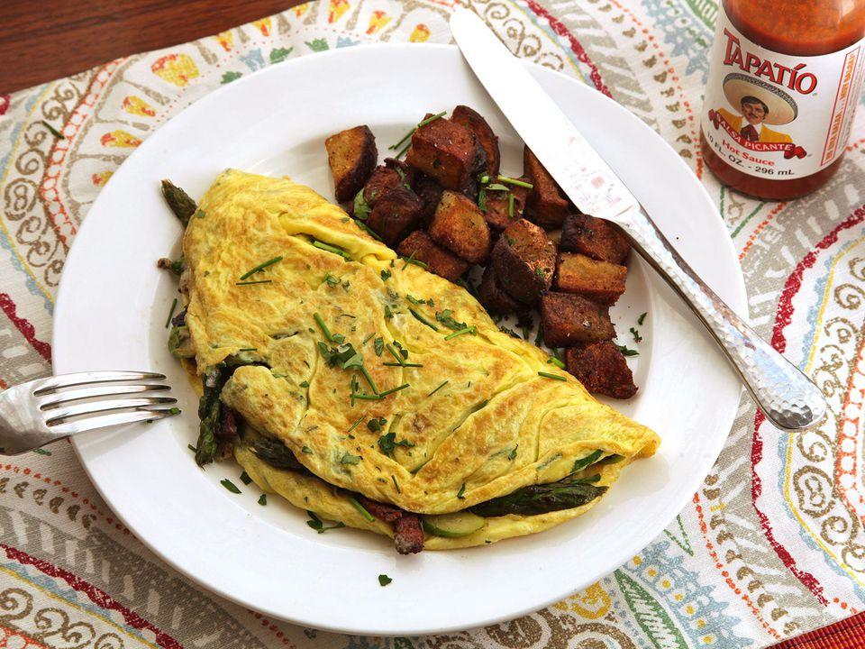20160418-american-omelet-bacon-asparagus-cheese-14.JPG