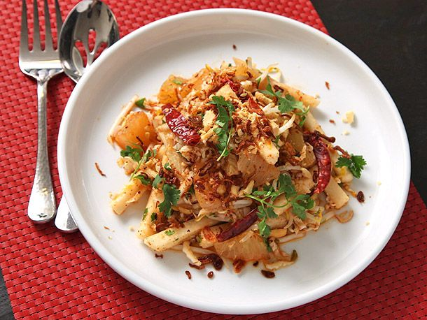 Jicama and Pomelo Salad with Spicy Thai Dressing