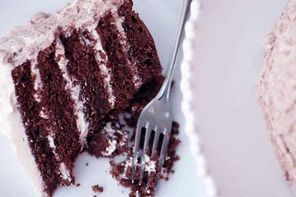 20120131-127677-LTE-Red-Velvet-Cake-PRIMARY.jpg