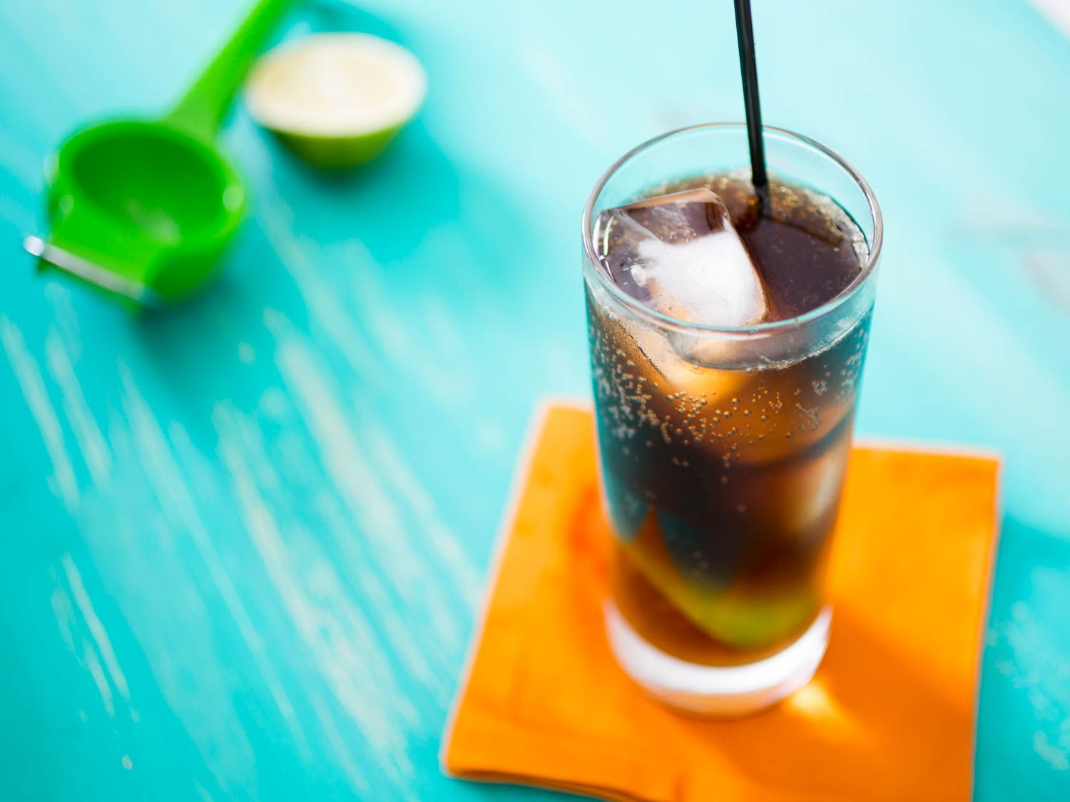 20150622-3-ingredient-cocktail-cuba-libre-vicky-wasik