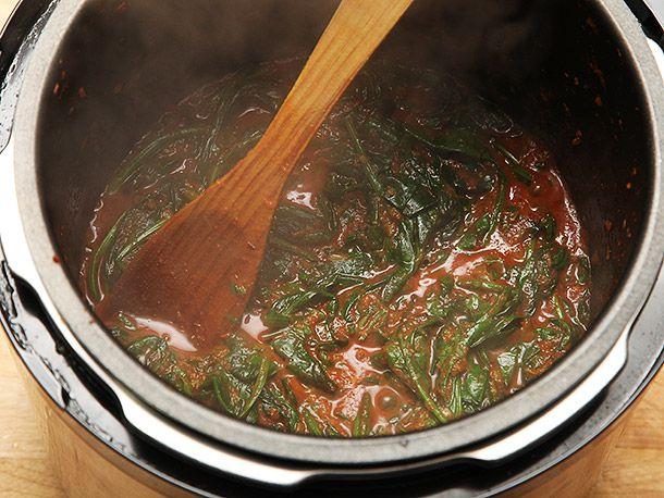 20140125-pressure-cooker-chicken-chickpea-spinach-masala-recipe-05.jpg