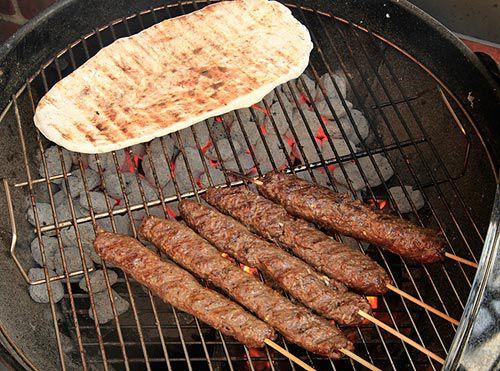 20120513-kofta-kebab-carrot-dip-bread-5.jpg
