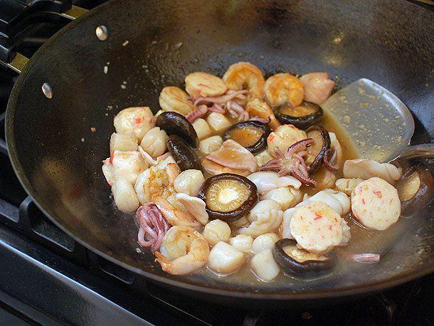 20140428-panfried-noodles-seafood-17.jpg